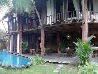 3BR Rustic House in 'Oberoi' Seminyak Bali