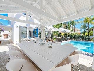 Villa Damiani, luxury family villa