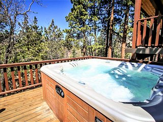 UPPER MOONRIDGE GROUP CHALET~Hot Tub~Pool Table~