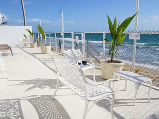 Beautiful Beachfront 5 Bedroom with Large Patio