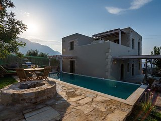 Villa Leonanto /Private pool, luxury, serenity, wonderful sea view