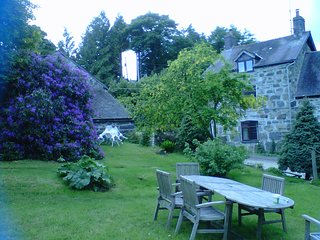 Rhiwlas farm cottage,Cosy and peaceful self catering 4 star welsh farm cottage