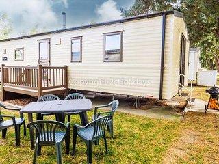 8 Berth caravan in Wild Duck Haven Holiday Park near Great Yarmouth Ref 11017