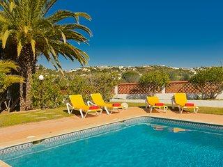 Villa Miracampo - 6 bed, 4 bath, private larger pool & children's splash pool
