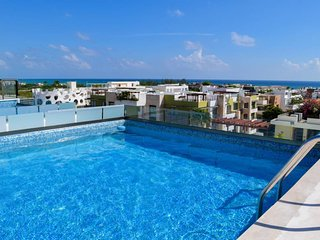 INCREDIBLE 2 bedroom Penthouse with PRIVATE POOL!! qm401