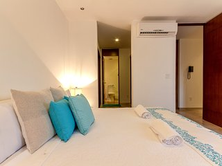 5th av. Sunday Summer Deal Condo  W/ Rooftop Pool! Book it Now!! Kuxtal 201