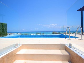 GO SPRING! Condo f/7 AWESOME Oceanview Pool only steps to the beach! OTB302