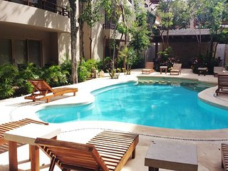 ENJOYTHENATURE+STUNNING 2BDR CONDO+6-7PPL+WIFI+POOL+ALDEAZAMATULUM!!!