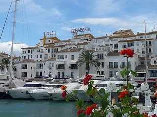 Lovely apartment in the heart of the marina-Puerto Banus