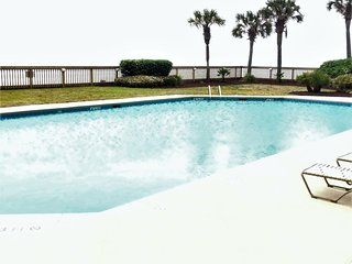 Spacious Oceanfront_2 Balconies & 2 French Balconies_3 bd 2 ba_Family Friendly