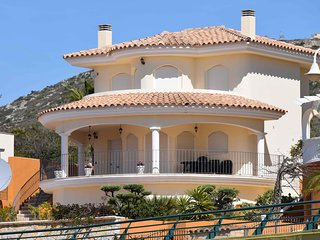 SUPERB DETATCHED SOUTH FACING VILLA WITH BRAND NEW POOL - PRICES REDUCED