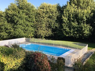 La Villa - very near to Dinard beaches , St Malo and Dinan - heated pool - WiFi