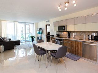 SIAN OCEAN RESIDENCE ON THE BEACH: 4001 S Ocean Dr, 3rd floor, Hollywood,Fl