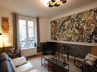 un lit d'exception dans un tres bel appartement a 2 pas du centre ville