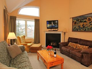 Pico E303 -  Three bedroom plus loft Walk to Lift & Ski Home To Your Back Door!