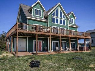 4 master suites, convenient location, close to activities!