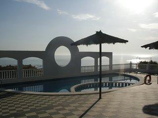 Apartamento con piscina y fabulosas vistas al mar