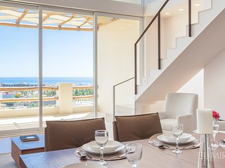 Spectacular 4 BR OCEAN VIEW PENTHOUSE!·C402