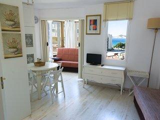 Studio Apartment in Benidorm with Sea View