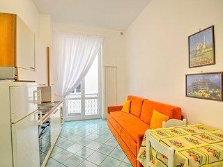 Vietri sul Mare Villa Sleeps 4 with Air Con and WiFi - 5608751