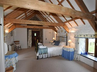 Stable Cottage (146 Near Newport Pembrokeshire)