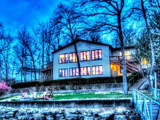 Family Fun Lakefront Vacation Home #6