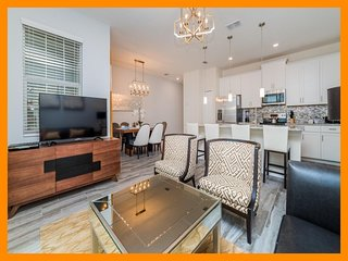 Championsgate 206 - townhouse with private pool and access to resort amenities