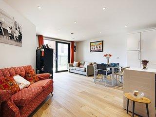 Majestic Maida Vale Home near Regents Park