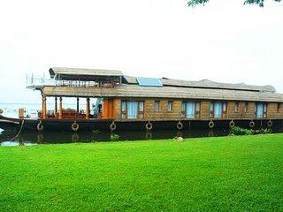 Kerala Houseboat 4