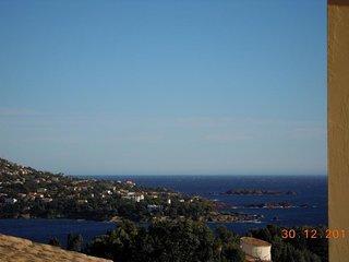 Horizon calme : 3 pièces mer et piscine Hameau L2 - 84la