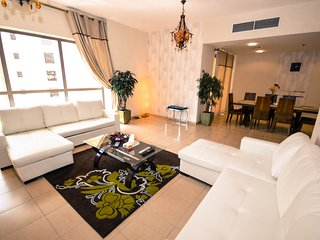Stylish 3 Bedroom Apartment, Beachfront