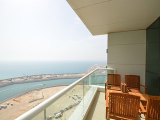 Gorgeous 2 Bedroom with Amazing Sea View