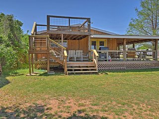 NEW! Buchanan Dam Home in Hill Country w/Lake View