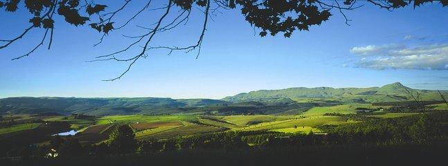 Das majestätische Dargle-Tal. Die Aussicht von unserem Bauernhof