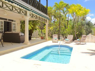 3 Bedroom Sea View Apt,  Private Plunge Pool steps away from Mullins Beach