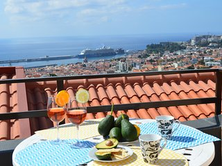 House in Funchal with panoramic view 2-6