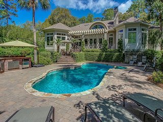 4 Jessamine Place - New to VRBO, All New Furnishings and Private pool