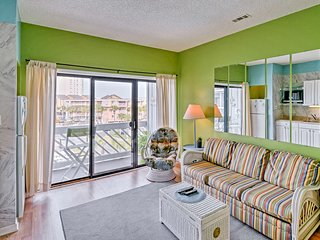 NEW! Murrells Inlet Condo w/Pool Access- by Beach!