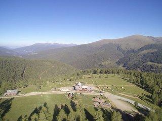 Hiaslhütte - Wanderurlaub mit Traum-Aussicht, Nockberge, Kärnten - Zirbenzimmer