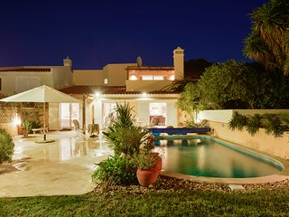 4 bedroom villa in Vale do Lobo with golf course views