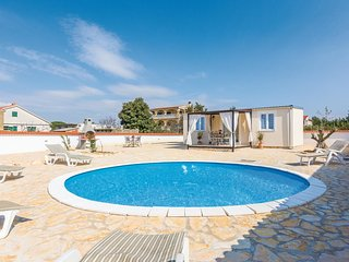 2 bedroom Villa in Pakostane, Zadarska Zupanija, Croatia : ref 5607232