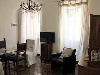 Casa della Nonna - maison de village typiquement ligure, terrasse, à Badalucco