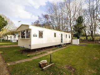 8 Berth caravan in Wild Duck Haven Holiday Park near Great Yarmouth Ref 11037
