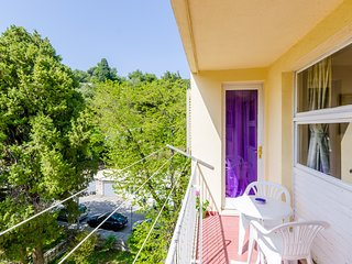 Apartment Evitta - Two-Bedroom Apt. with Balcony
