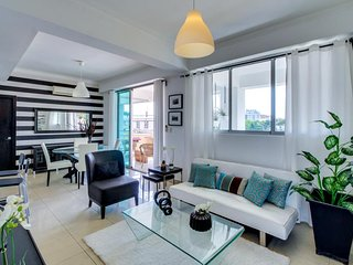 Sleek, modern condo with city views - close to restaurants and attractions