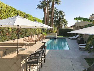 Palm Springs House w/ Private Pool & Hot Tub!