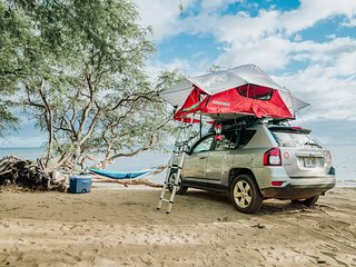 Explore Maui in a 4x4 with Rooftop Tent