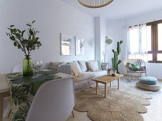 Amplio apartamento con belleza natural junto a la playa!