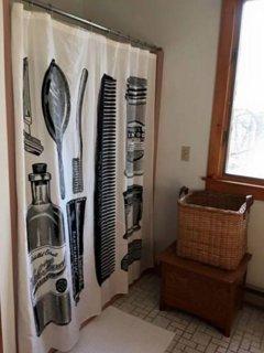 full bath adjust to bedroom #2