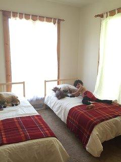 Bedroom #4 - 2 twin beds